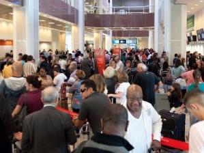 Fila no saguão do aeroporto Santos Dumont as 10h de hoje,foto:Reynaldo Vasconcelos/Futura Press/Estadão Conteúdo