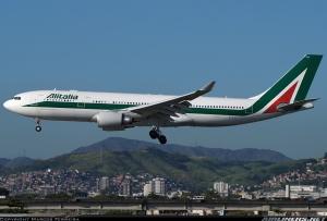 Modelo Airbus A330 da Alitalia,foto: Marcos Ferreira