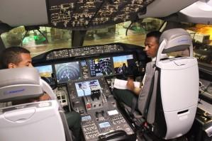 Cabine do Dreamliner da Ethiopian (Foto: Dennis Barbosa/G1)