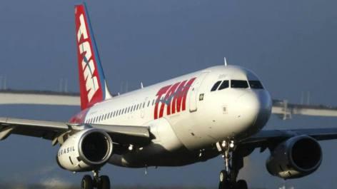 Avião da TAM se prepara para decolar: autor da ação disse que somente conseguiu viajar mais de 24 horas depois do horário previsto