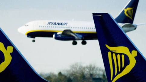 Aviões da Ryanair: número de passageiros aumentou 11 por cento para 90 milhões no ano até 31 de março