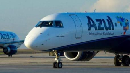 Aviões da Azul: em agosto de 2013, a companhia havia cancelado pela primeira vez o objetivo de listar-se na bolsa de valores