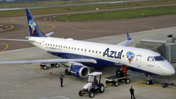 Avião da Azul: parceria envolve o direito de a United ter um membro no Conselho de Administração da Azul, foto:Mario Roberto Duran Ortiz/Wikimedia