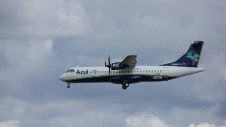 Avião da companhia aérea Azul: a Anac liberou cinco voos semanais entre o Brasil e os Estados Unidos - foto: Wikicommons