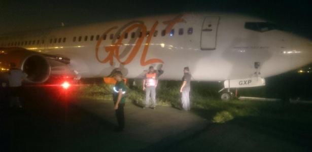 Boeing da Gol sendo rebocado, foto: Passageiro via WhatsApp(por Uol)